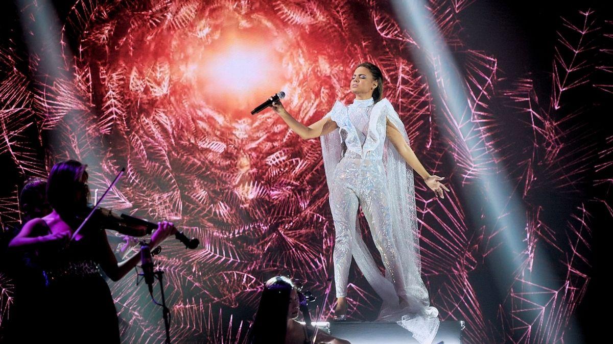 Jeimy descrestó en un show muy internacional con éxito mundial de Adele