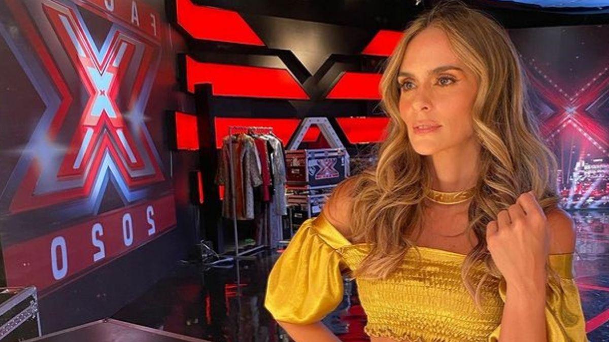 Junto a guitarras y como toda una rockstar, Karen Martínez nos invita al Factor X