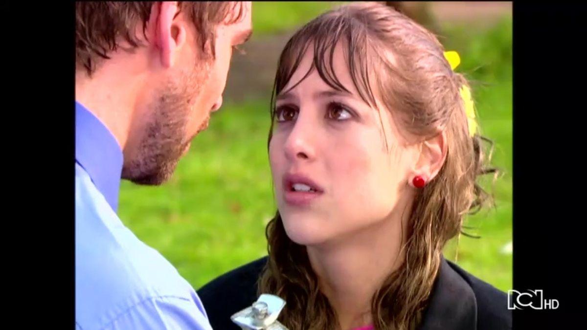 Floricienta | Capítulo 5 | Flor y Federico se encuentran bajo la lluvia