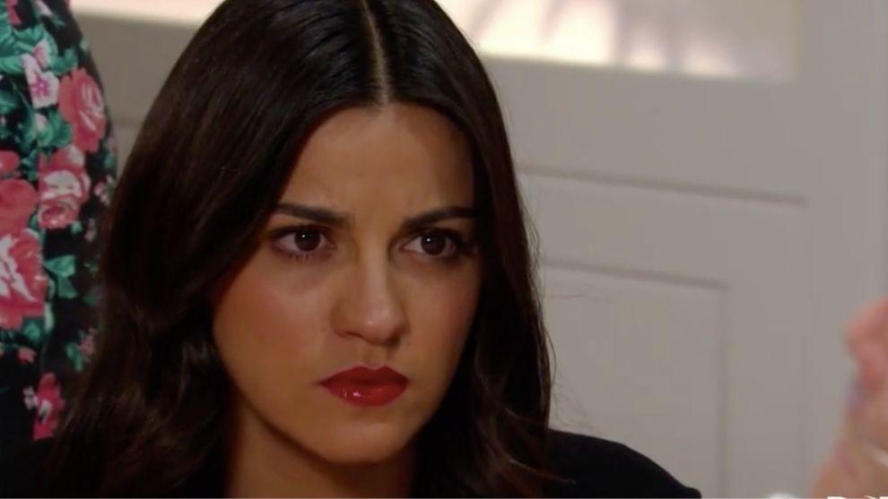Doña Rita le confiesa una dolorosa verdad a Esmeralda