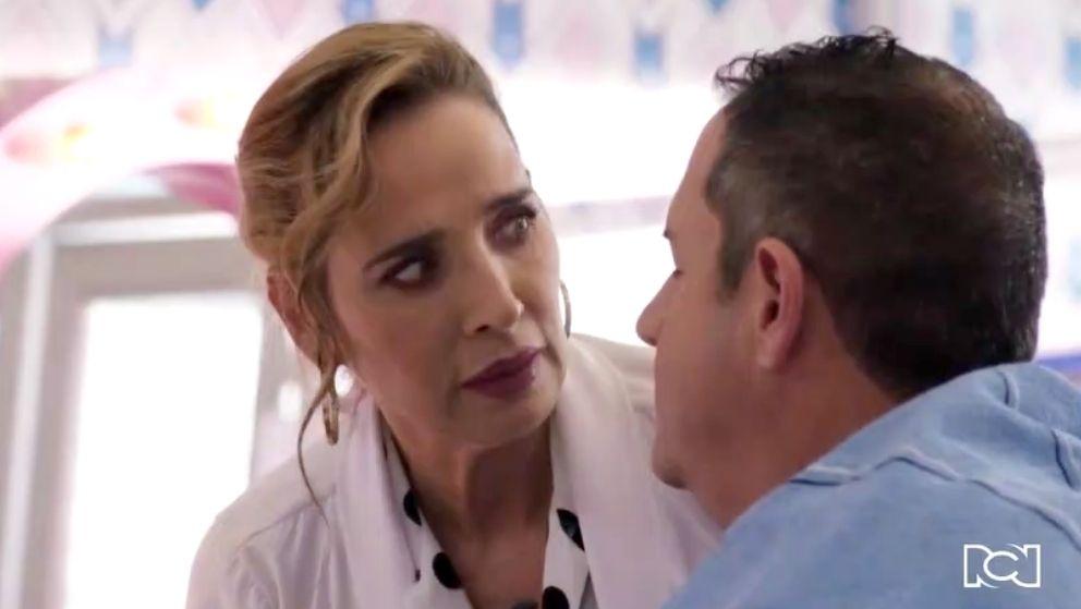 Se evidencia un romántico acercamiento entre Nelcy y Villegas