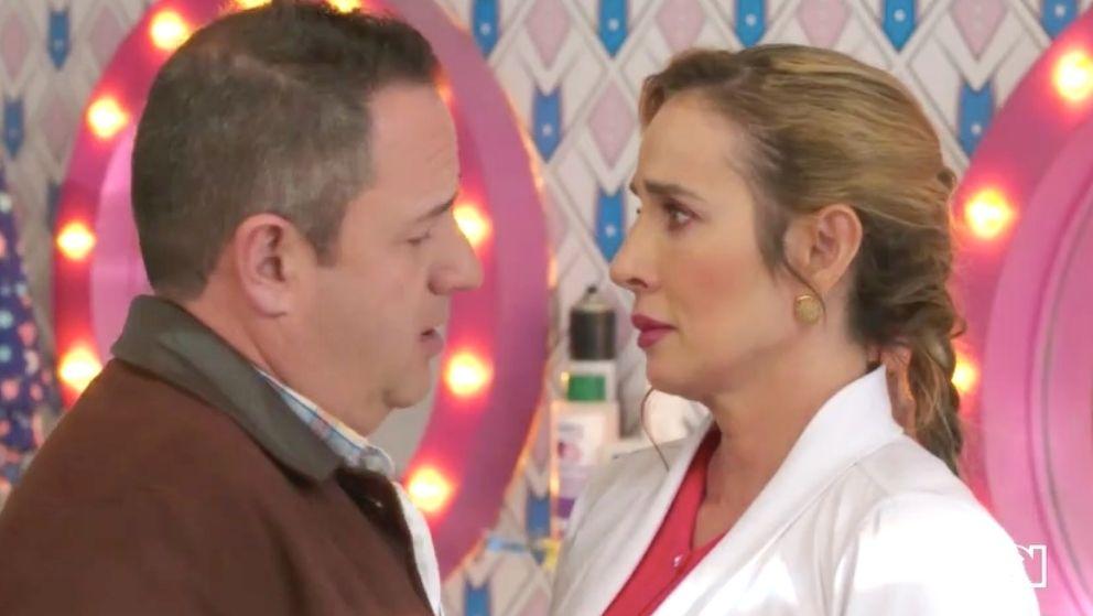 Villegas besa a Nelcy