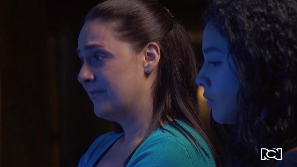 La madre de Mariana se entera de su embarazo