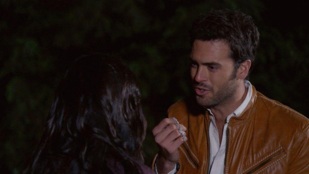 Rodrigo intenta recuperar el amor de Aurora