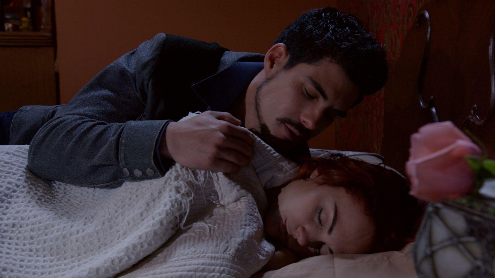 Capítulo 9 de abril – Un visitante nocturno para Mónica | Mi Adorable Maldición