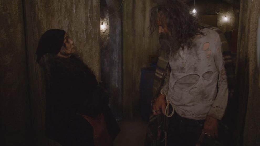 Macrina y Severo planean sacar a aurora del pueblo   Mi Adorable Maldición