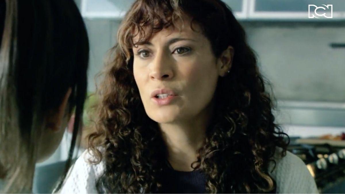 Isabel Cristina le aconseja a Julieta que le cuente la verdad a Felipe