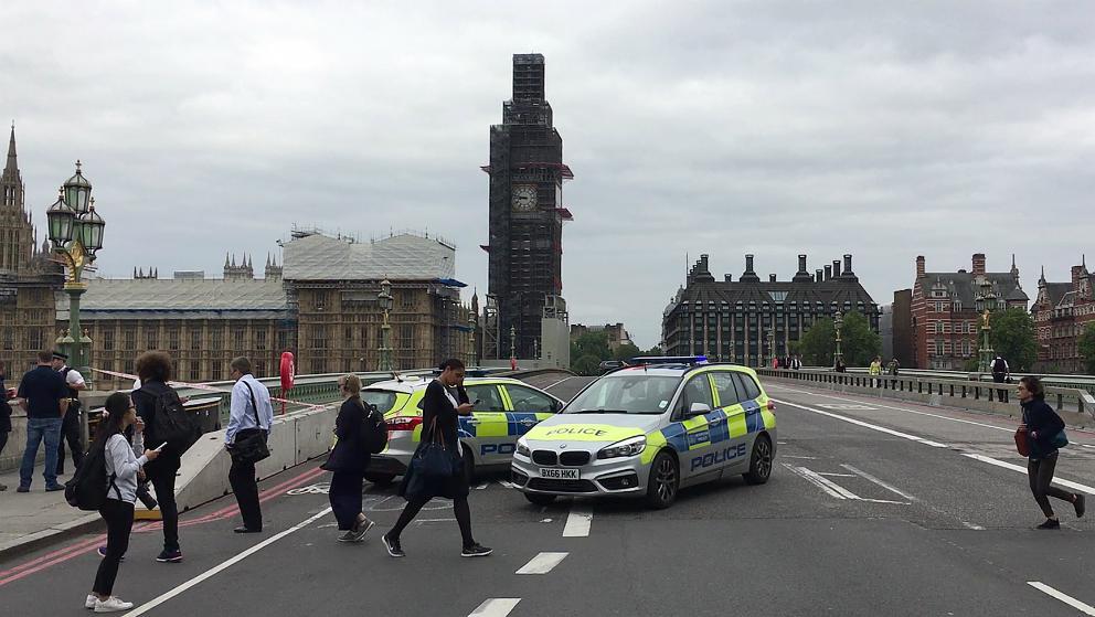 Investigan como acto terrorista arrollamiento en Londres