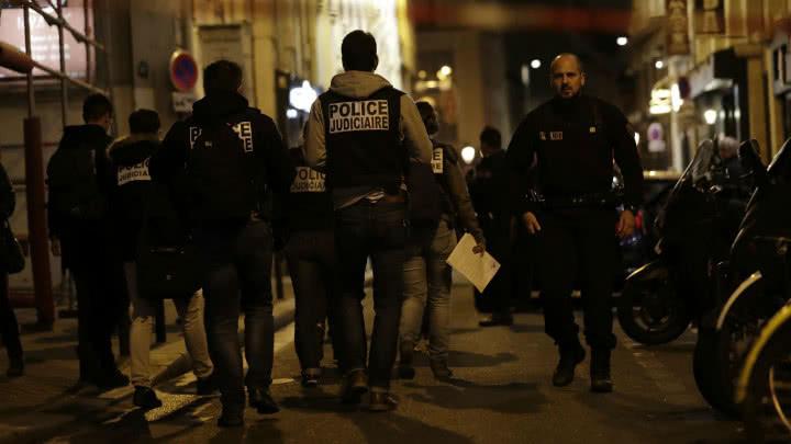 Ataque con arma blanca en París deja dos muertos
