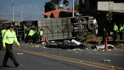 Al menos 24 muertos deja accidente de tránsito en Ecuador