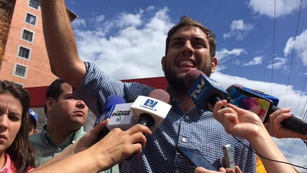 Familiares visitaron a Juan Requesens luego de 44 días de su detención ilegal