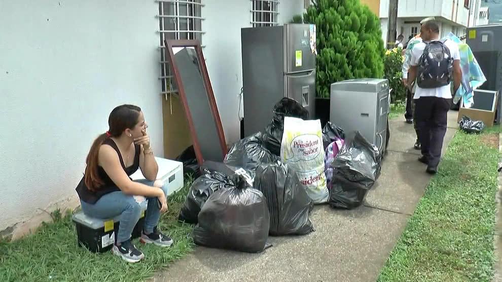 Al menos 100 familias evacuan viviendas afectadas por derrumbe en Pereira