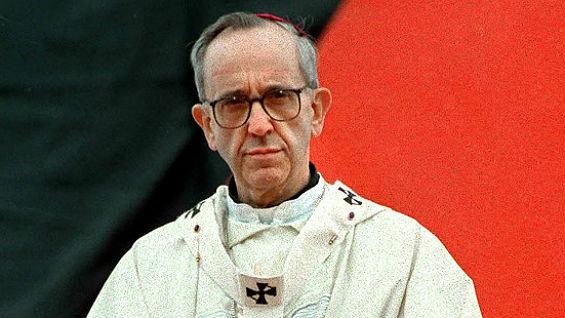 Foto de archivo del entonces arzobispo de Buenos Aires, Jorge Mario Bergoglio. Foto Agencia AFP