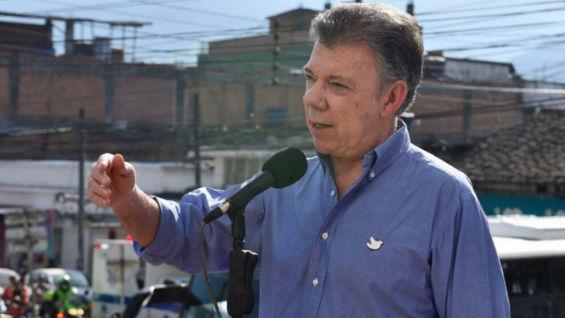 Santos pide elecciones generales para Venezuela