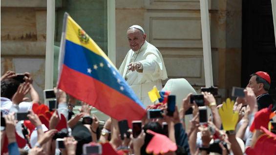 Venezolanos se hicieron notar en visita del papa al país.