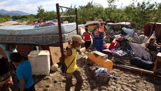 137 familias deportadas podrán recoger las pertenencias que dejaron en Venezuela