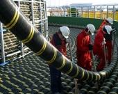 Foto: Trabajos técnicos previo a la instalación de un cable submarino de fibra óptica en el mar / archivo.