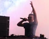 DJ Rat Race se presentó durante la segunda jornada del Festival Musical Estéreo Picnic. Foto: EFE.