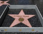Antes de ser vandalizada, la estrella de Trump había sido objeto de burlas por parte de un artista. Foto: EFE