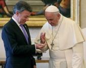 Francisco y Juan Manuel Santos durante un encuentro en junio de 2015. AFP