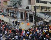 Cientos de socorristas adelantan las labores de rescate en la escuela Enrique Rébsamen. Foto: EFE/STR