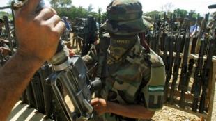 Paramilitar. Foto: Rodrigo Arangua / AFP