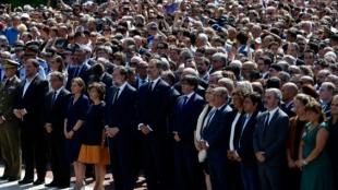 Miles participaron en el minuto de silencio presidido por el rey FelipeVI. Foto: Javier Soriano/AFP