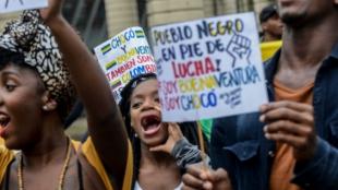 Habitantes de Buenaventura que apoyan el paro cívico. Foto: AFP
