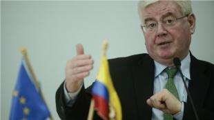 El enviado especial de la Unión Europea (UE) para el proceso de paz de Colombia, Eamon Gilmore. Foto: AFP.
