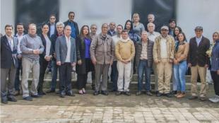 Las delegaciones del Gobierno y el ELN en Ecuador. Foto: @ELN_Paz