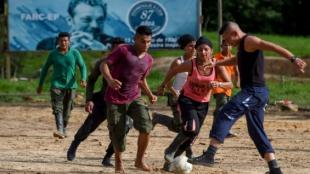 Guerrilleros desmovilizados de las Farc. Foto: Raúl Arboleda/AFP