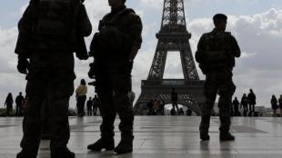 Las fuerzas de seguridad realizan patrullajes. Foto: Ludovic Marin / AFP