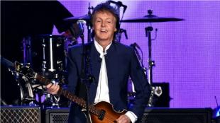 Paul McCartney, bajista de la banda The Beatles. Foto: AFP.