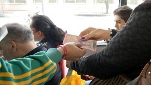 A diario se observan a venezolanos tratando de cambiar sus billetes. Foto: NoticiasRCN.com