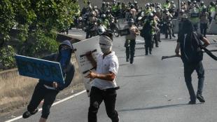 La crisis en Venezuela aumenta. Fiscalía dice que ya hay 26 personas muertas durante protestas. Foto: EFE
