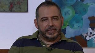 """""""Solo escribo aquello que no me deja dormir"""": Mario Mendoza"""