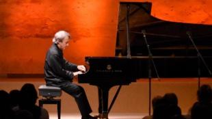 El pianista Jean-Efflam Baovuzet, uno de los músicos más ovacionados en Cartagena
