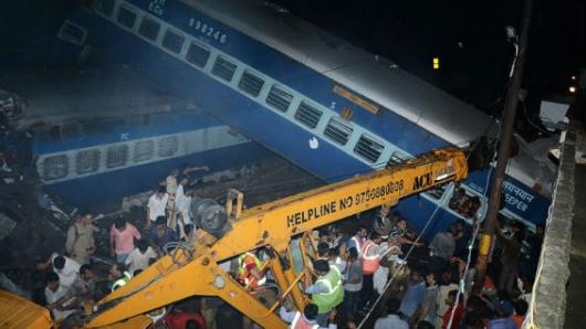 Descarrilamiento de un tren en India deja 23 muertos y 64 heridos