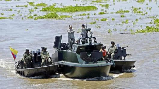 Ataque de disidentes de FARC contra la Armada colombiana deja un muerto