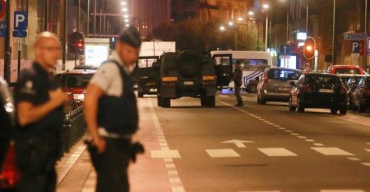 Dos ataques con cuchillosen Londres y Bruselas — Alarma en Europa