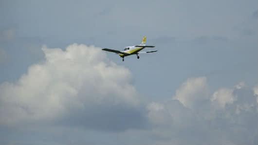 Encuentran avioneta abandonada en Colombia tras ser robada