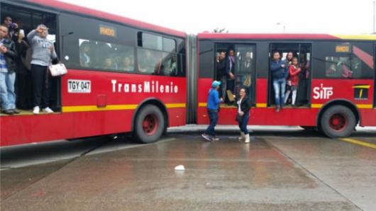 Bloqueos en TransMilenio dificultan la movilidad en Bogotá