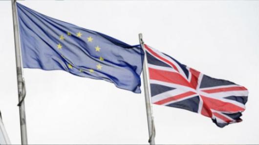 Primera ministra británica gana voto simbólico en favor del Brexit