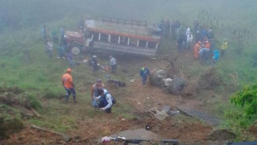 Nueve muertos por tres accidentes viales este martes en Colombia