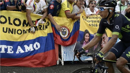 Santos agradeció a Urán por su actuación en el Tour