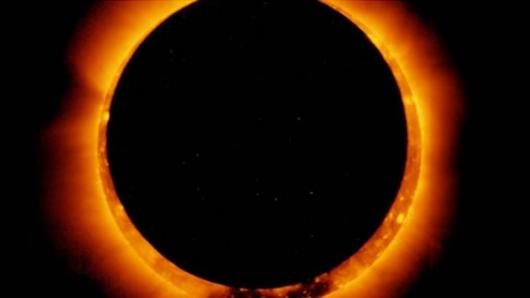 a5c194c56f Su visibilidad estuvo amenazada minutos antes por las nubes en la provincia  patagónica de Chubut, a más de 1.900 km al sur de Buenos Aires. Un eclipse  solar ...