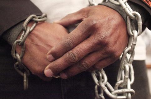 Subasta de migrantes en Libia es crimen contra la humanidad — Macron
