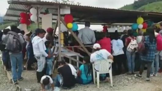Las FARC insisten en alargar fechas para entrega de armas