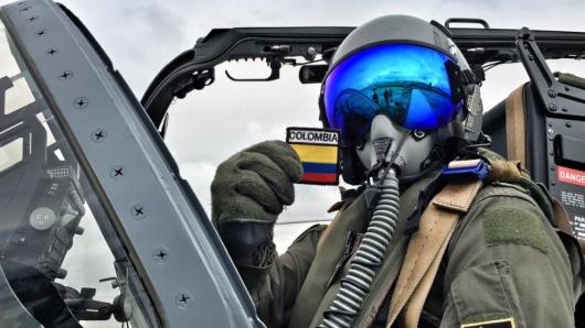 Colombia - Página 11 Fuerza_aerea_colombia_desfile