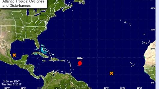 Huracán Irma se fortalece a categoría 5 hacia el Caribe
